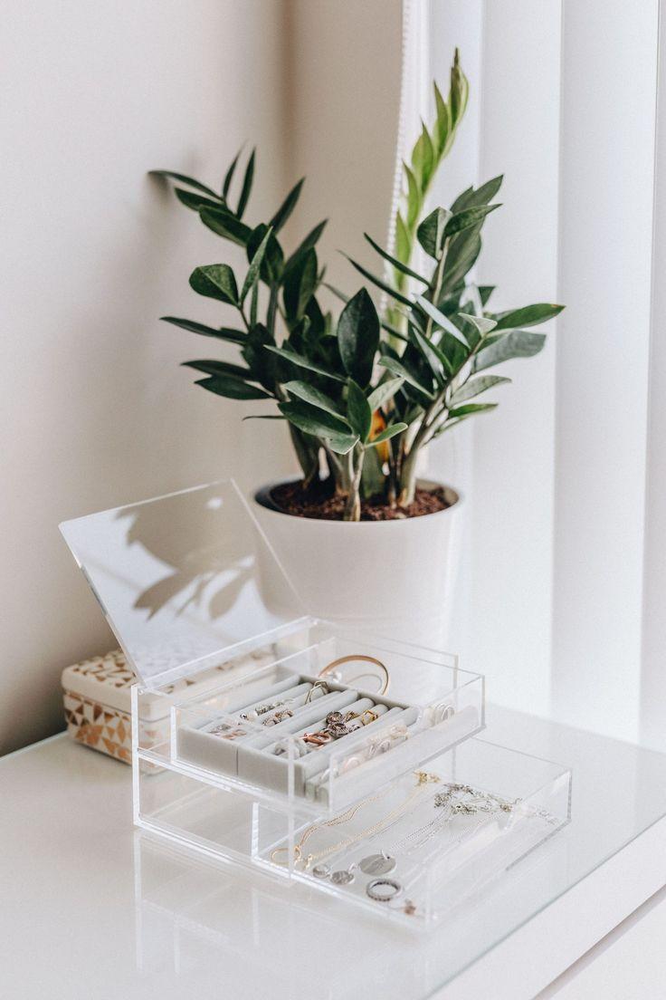 Acrylic Jewelry Organizer Idea, jewelry organization, acrylic organizer, Muji or…   – Idkkdlzkz