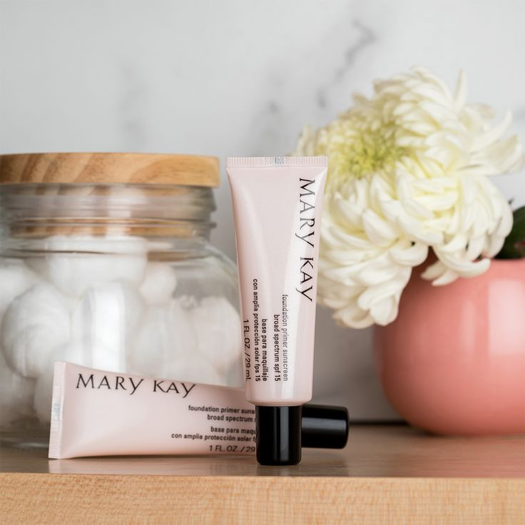 This lightweight gel glides on easily to fill in imperfections and dries quickly to a matte finish to c… | Mary kay foundation primer, Mary kay foundation, Mary kay