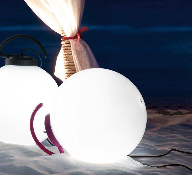 Lampe baladeuse dextérieur nuk éditée par faro et réalisée par le designer manel