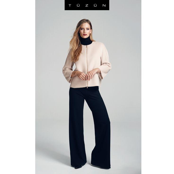 Doğru parçalarla kombinlendiğinde bacak formunuzu daha uzun gösteren bol paça pantolonlarla, yeni haftada tüm gözler üzerinizde olsun! #fashion #style #kombin #form #moda #pantolon #ceket