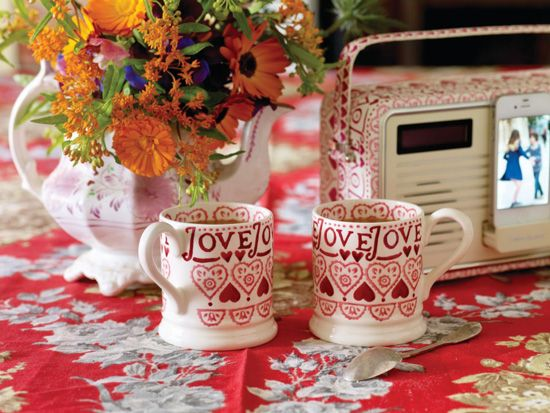 Don't miss out on Emma Bridgewater Sale! Save up to 40% on printed mugs & more. Check out now!