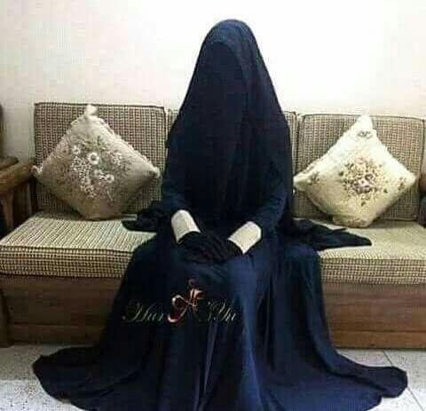 Beautiful Niqabi in Full Purdah