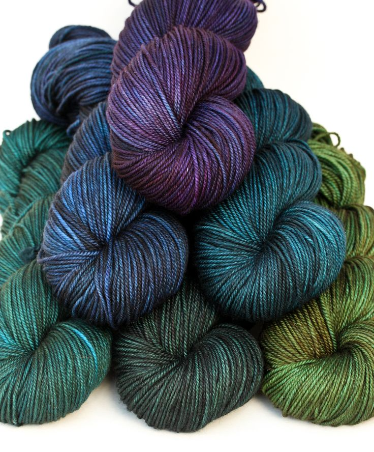 hand-dyed yarns by 'becoming art'