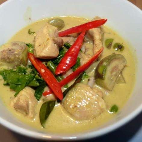 Recipe THAI GREEN CHICKEN CURRY by Angela Fortune - Recipe of category Main dishes - meat
