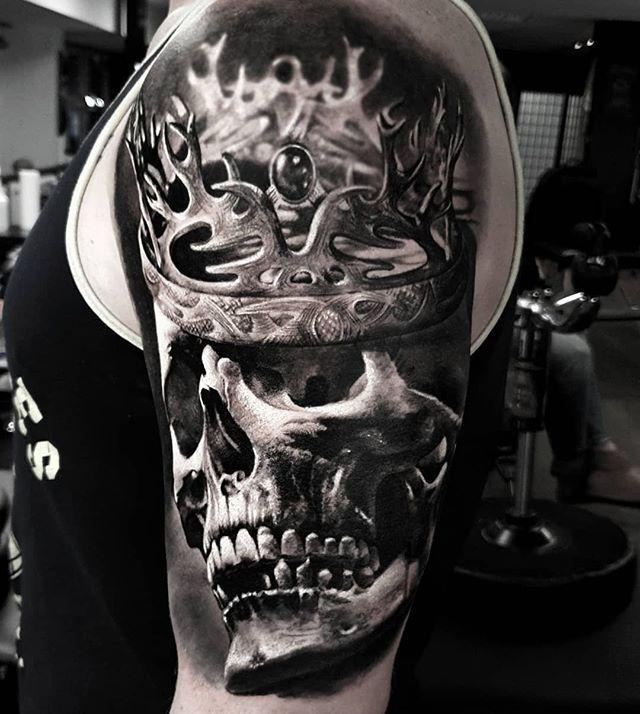 Skull King Black And Grey Realism Skull With Crown Shoulder Tattoo By Pavel Krim Krimtattoo From Essen Germany Skull Skull Sleeve Tattoos Skulls Drawing