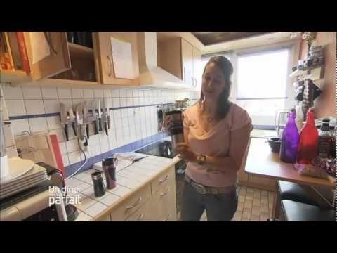 """Un dîner presque parfait Paris - Sadra - part1 - YouTube  Les Français, que pensent-ils de la cuisine américaine? Regardez cette émission d'Un dîner presque parfait pour voir les opinions assez """"stéréotypées."""" C'est un autre thème de conversation?"""
