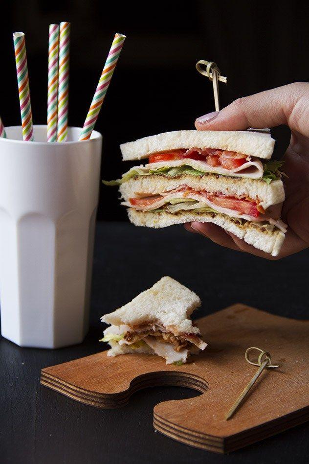 Il mio club sandwich riunisce la tradizione del sandwich servito nelle club house alla ricercatezza dei nuovi sapori. Un gusto e una consistenza perfetti!!