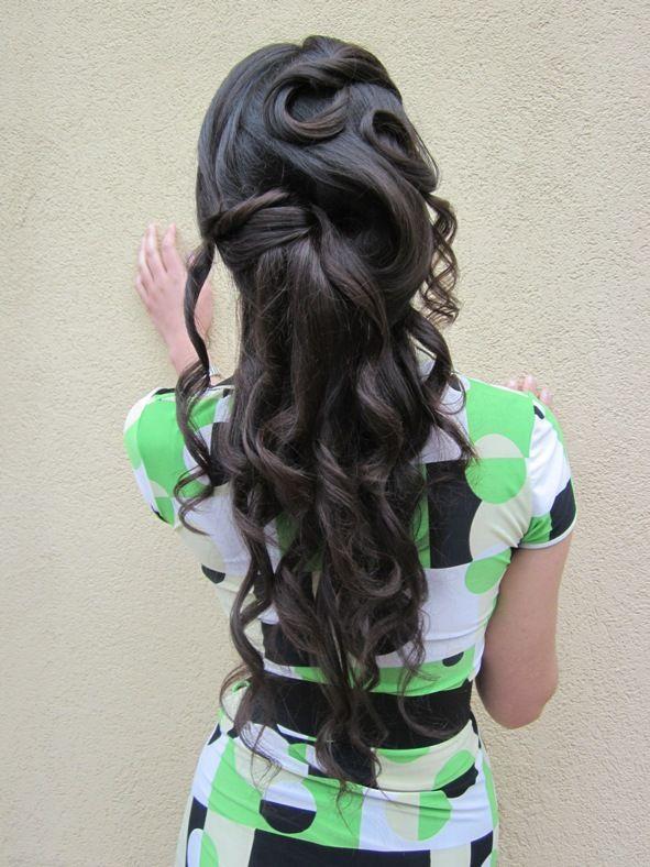L'acconciatura per la #sposa con i #capelli lunghi. Quest #acconciatura da sposa è stata realizzata dal negozio Hair Passion di Poggibonsi, Siena
