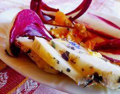 Insalata invernale con radicchio, mandarino e formaggio di capra per la ricetta: http://www.frittomistoblog.it/2015/01/insalata-invernale-con-radicchio.html