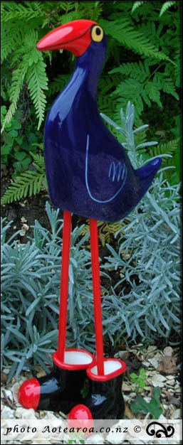 There's a pukeko in my garden