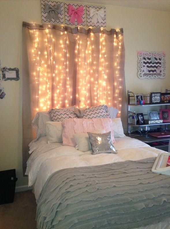 24 Formas De Decorar Tu Habitación Con La Series De Luces Navideñas. Curtains  Behind BedWall ...
