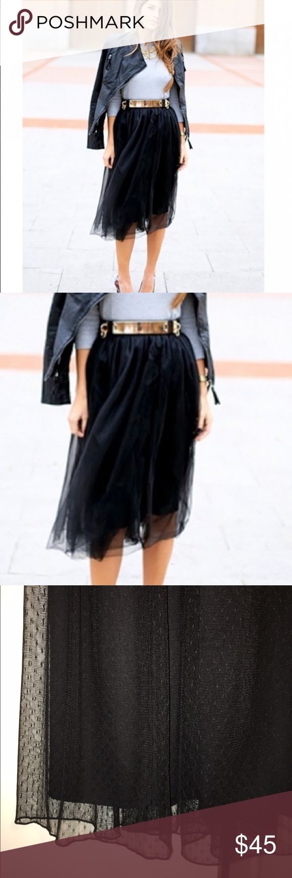 🌟🌟HOST PICK🌟🌟Zara Trafaluc Black Tulle skirt No tags, worn twice, in great condition, belongs to 2015 winter collection, its a midi 2 layer skirt, has elastic waist, super chick and comfy at the same time, dont miss it🙌🏻🙌🏻🌟 Zara Skirts Midi