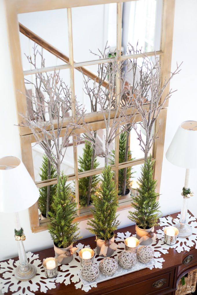 Christmas decorating ideas for foyers and entryways. #pier1love #sharingpier1: