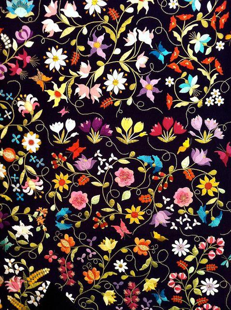 Incredible applique quilt.