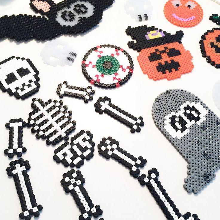 Har været til den hyggeligste krea-græskar-bage hygge idag. Tak for en total hyggelig dag @nuritsol Det gør vi meget gerne igen. ❤️ #krea #kreahygge #hama #hamaperler #halloween #diy #diyhalloween #skeleton #ghost #bat #flagermus #skelet #græskar #pumpkin #scary #madewithkids #kreadag #perleplader #uhygge #halloweenpynt #anjatakacs