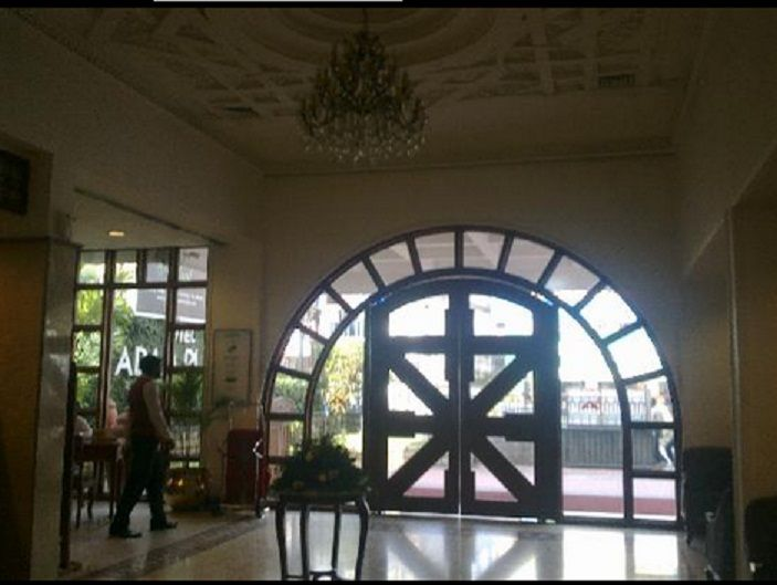 Welcome To Abad The Lobby View Of Hotels In Cochin