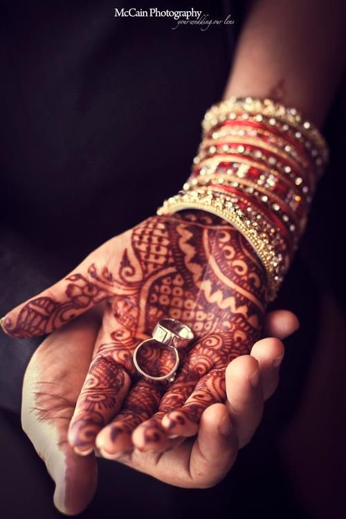 Dulhan Bride Indian / Pakistani South Asian Desi Wedding Bangles Henna Mehndi Dulha Groom Wedding Bands