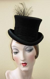 black mini top hatMini Top Hats, Crafts Ideas, Black Minis, Costumes Inspiration, Cirque Costumes, Cheer Lead, Black Ribbons, Minis Tops Hats, Fickle Fashionista
