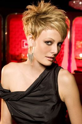 Short Hairstyle of 2012 and Makeup Guide: December 2011