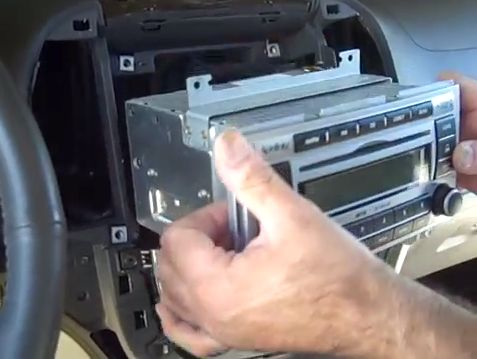 Look at this picture, this is Seicane 2008-2011 Hyundai Santa Fe Radio after installation. As we all know, the Hyundai Santa Fe is a popular SUV and aftermarket parts are readily available. Install...