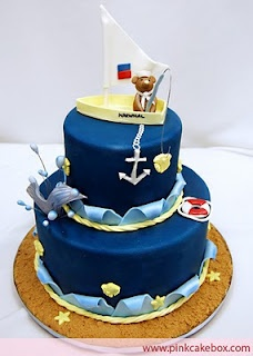 Nautical theme, andddd those who know us, THERE is a bear fishing on top <3