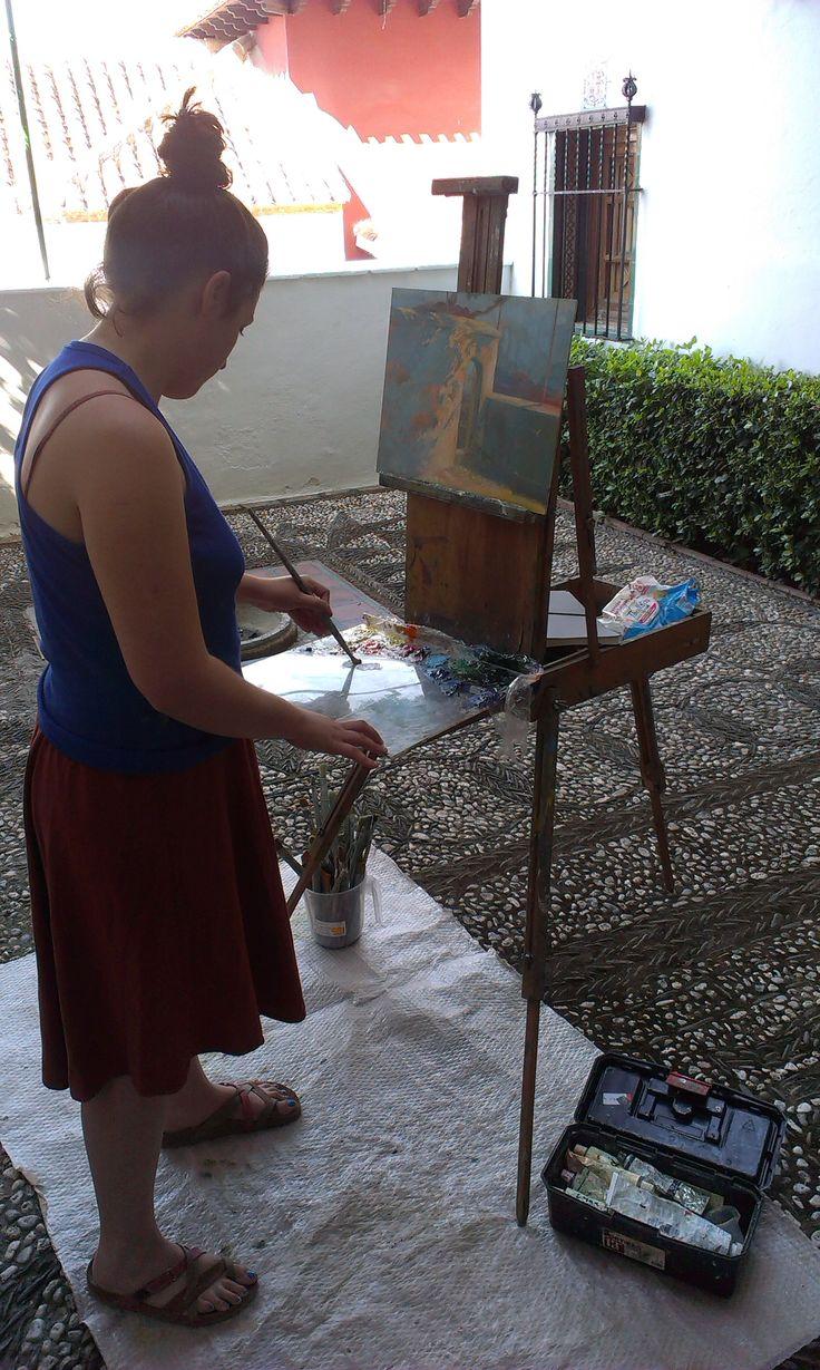 Miriam (becaria 2013) pintando en la Fundación Rodríguez-Acosta