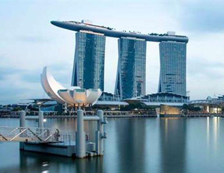 Envie d'explorer un endroit fascinant ? Découvre Singapour !  Avec SWISS tu peux réserver un vol en Economy Class à Singapour à prix imbattable à partir de seulement 549.- !  Réserve ici ton vol: http://www.besoin-de-vacances.ch/reserve-vol-a-singapour-a-549-swiss/