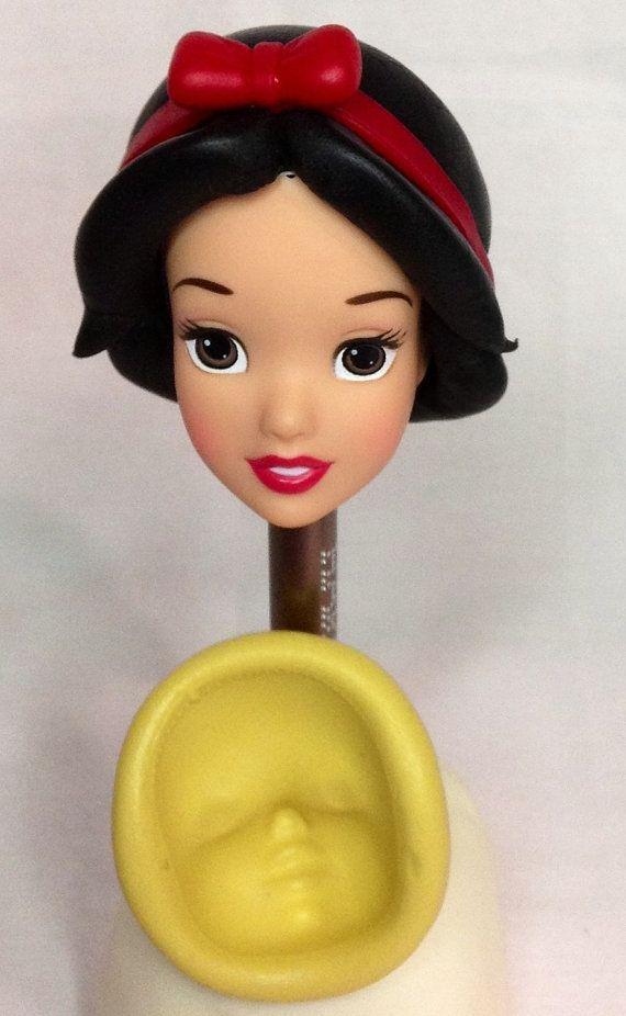 face snow white princess.Silicone mold./ molde de por Creandoparati, $12.99