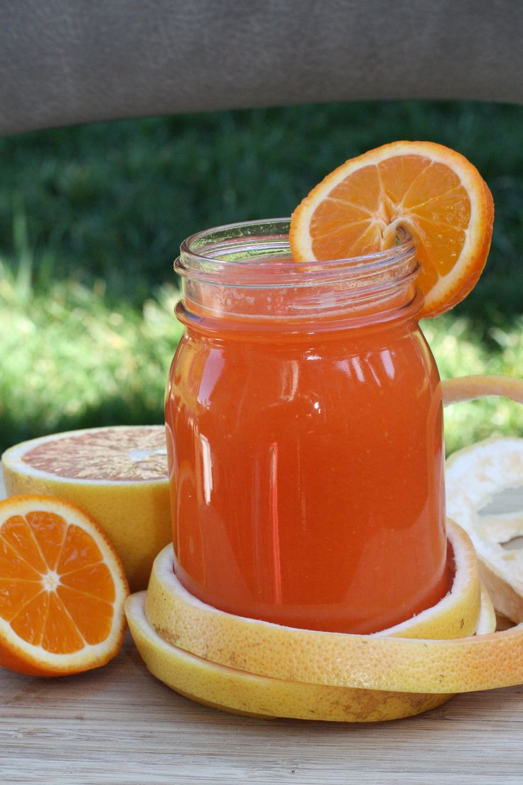 Amazing Carrot Juice Recipe- I just tried the one with apples and ginger, my favorite juice yet!