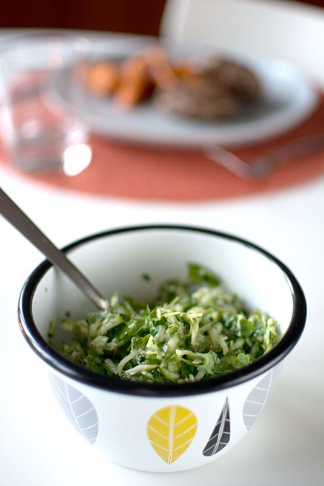 Recept på sallad med zucchini