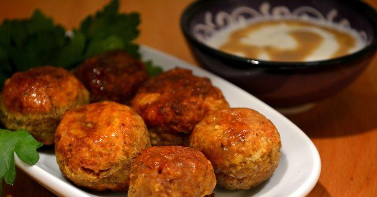 Ortadoğu mutfağının ünlü yemeklerinden falafel, bölgenin tamamında sevilen bir sokak yemeği. Vegan diyetin de popüler yiyeceklerinden biri ...