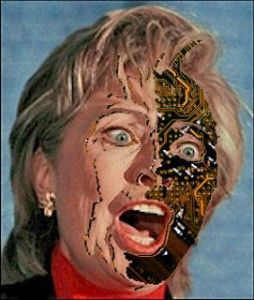 L'ex-secrétaire d'État américaine et ex-First Lady Hillary Clinton se considère comme un robot et non comme un être humain. C'est ainsi en tout cas qu'elle a répondu à la question posée par une journaliste de Buzzfeed [SOTT: en anglais], qui avait noté...