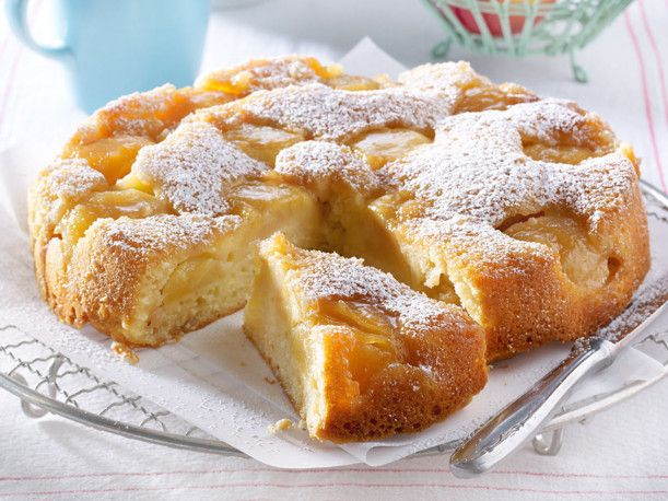 Gestürzter Apfel-Joghurt-Kuchen Rezept | LECKER