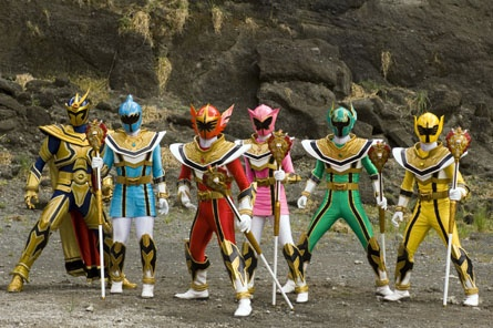 Daggeron, Madison Rocca, Nick Russell, Vida Rocca, Xander Bly and Charlie Thorn form Power Rangers Mystic Force