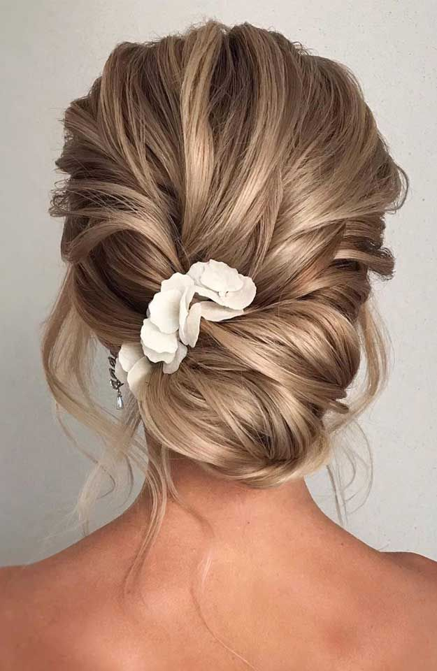 33 Classy And Elegant Wedding Hairstyles Elegant Wedding Hair Bride Hairstyles Loose Hairstyles