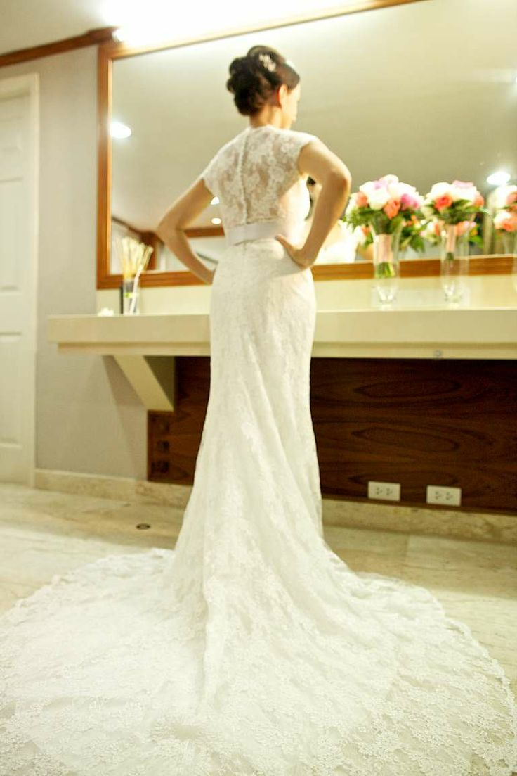 A stunning lace back and a breathtaking train for Jo in this gorgeous beach wedding dress. Faraway Beach weddings Thailand