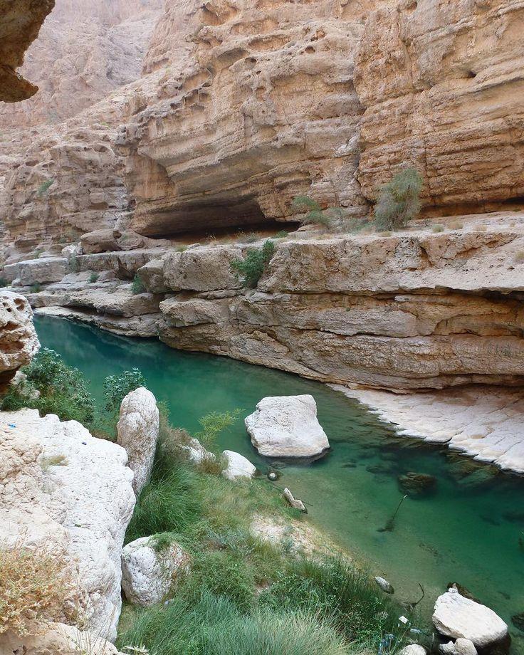 """190 mentions J'aime, 13 commentaires - Floriane Gayraud (@frogspirit12) sur Instagram: """"Wadi Shab, sur la route Sour-Mascate 😀🌴💦 Ce Wadi est très facilement accessible, avec un parking à…"""""""