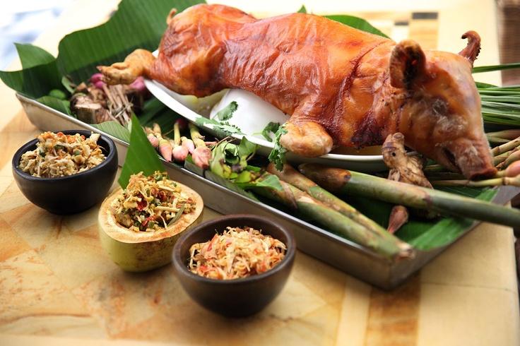 Babi Guling   Spécialité balinaise : cochon de lait rôti à la broche. ❀  Bali Floating Leaf Eco-Retreat ❀ http://balifloatingleaf.com ❀