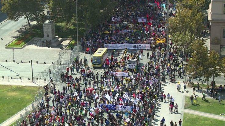 Chile enfrentó gigantesca protesta contra el sistema privado de pensiones