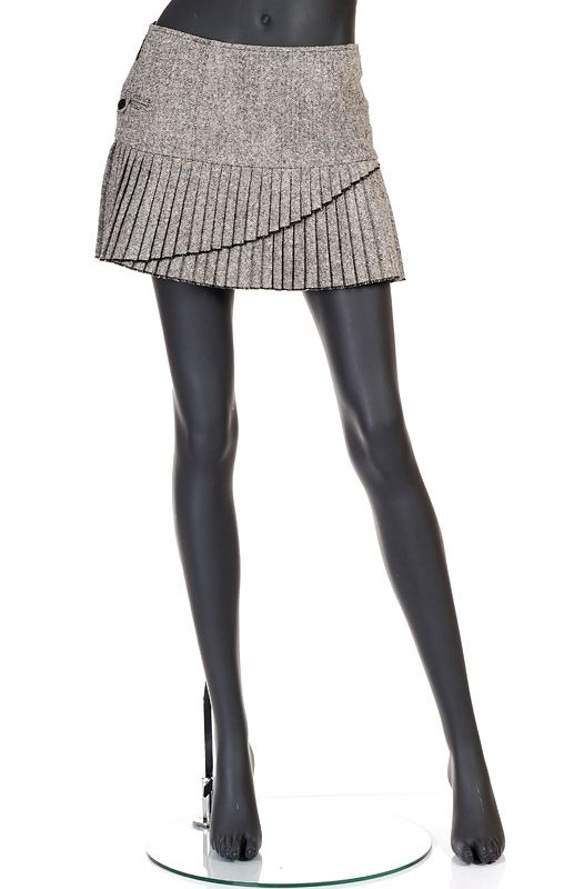 http://www.fashioncode.pl/pl/fashioncode-spodnice/859-armani-jeans-szara-spodnica-mini.html#