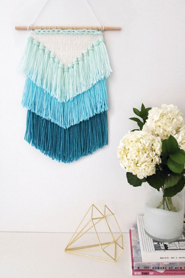 Easy weaving pattern: DIY ombre wall hanging