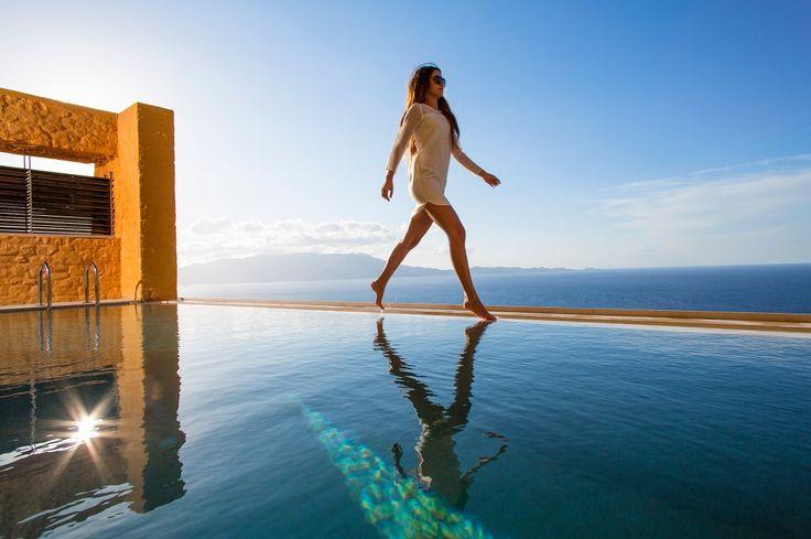 Sea front villa with magnificent sea and mountain views, Ravdoucha   Cretico