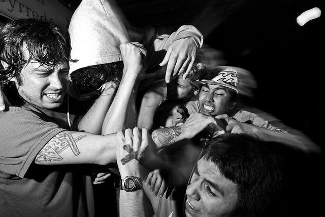 Los Verdaderos @ Salon Pueyrredon 26-06-2010 by Fabricio Obljubek, via Flickr