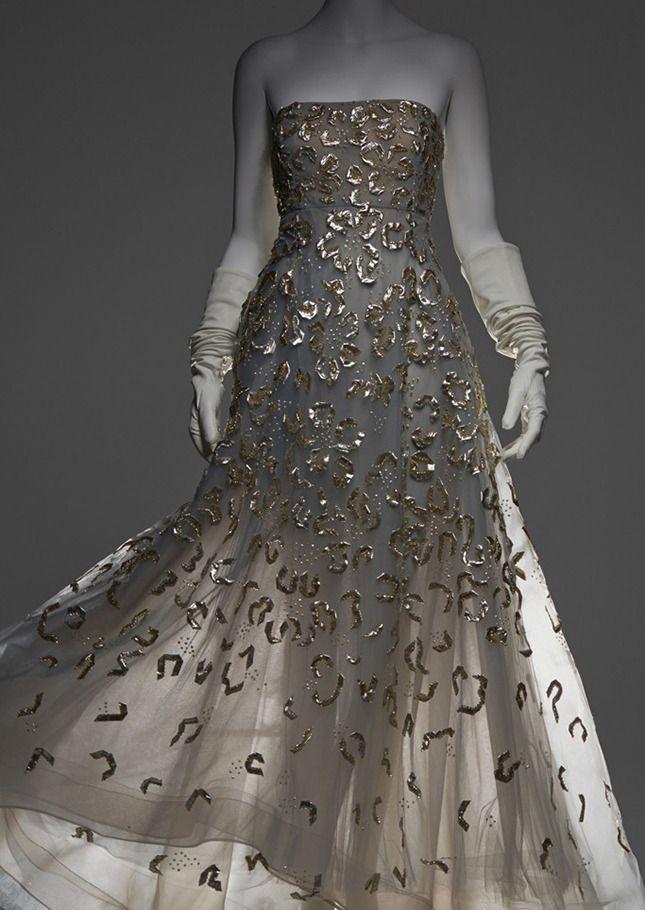 Платье Челси Клинтон, в котором она появилась в ноябре 2013 года в Carnegie Hall