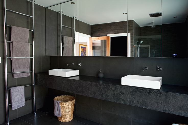 The common myth of avoiding black in bathrooms has been ignored in this real home. The result? Sleek, sophisticated and spacious. QH approves! http://www.queenslandhomes.com.au/blog/ageing-gracefully/