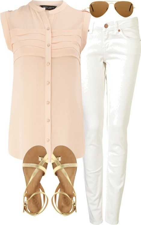 white skinny jeans peach sheer blouse gold sandals . . . such a cute little classy outfit. I really need to buy white jeans . .  preferably jeggings though