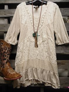 Off To Billy Bobs Vintage Cream Lace Dress