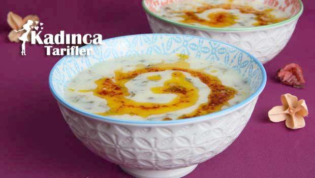 Yoğurtlu Ispanak Çorbası Tarifi nasıl yapılır? Yoğurtlu Ispanak Çorbası Tarifi'nin malzemeleri, resimli anlatımı ve yapılışı için tıklayın. Yazar: Sümeyra Temel