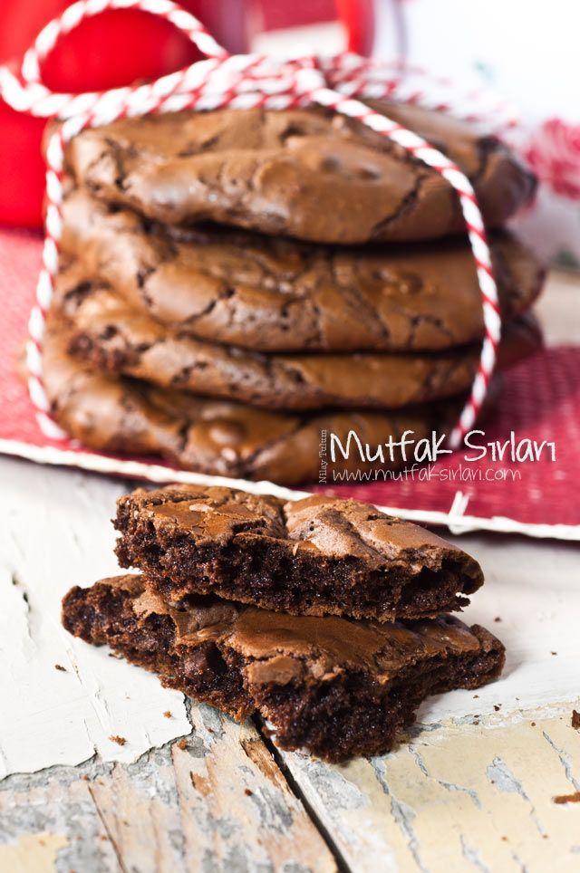 Yoğun Çikolatalı Kurabiye – Mutfak Sırları – Pratik Yemek Tarifleri