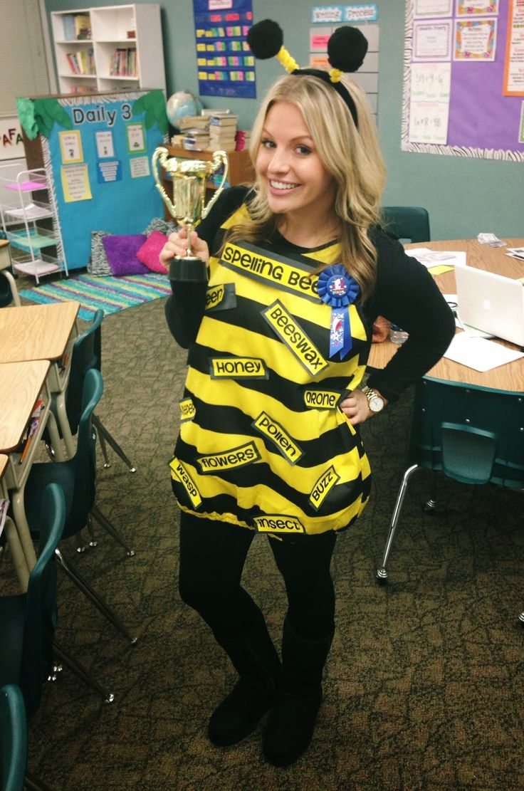 "Teacher costume ""Spelling Bee Champion"":"